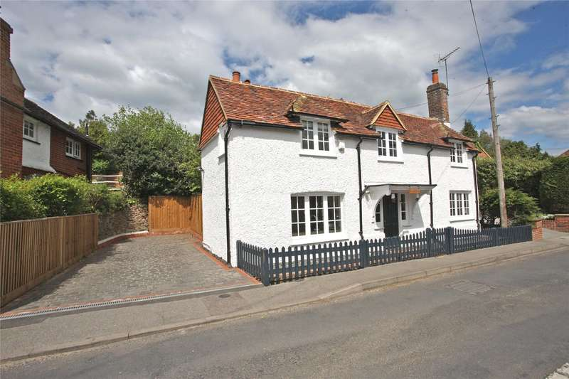 3 Bedrooms Detached House for sale in Shortfield Common Road, Frensham, Farnham, Surrey, GU10