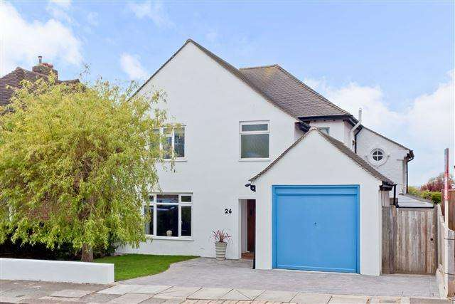3 Bedrooms Detached House for sale in Bishops Road, Hove