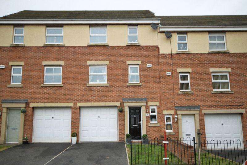3 Bedrooms Town House for sale in PENNISTONE PLACE, SCARTHO PARK