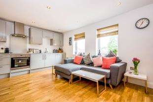 1 Bedroom Maisonette Flat for sale in Foxwell House, 60 Priory Road, Reigate, Surrey