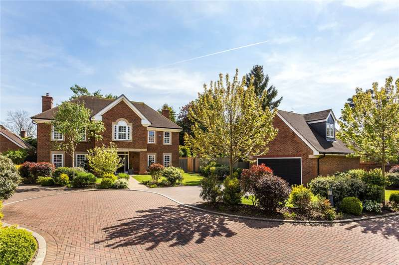 5 Bedrooms Detached House for sale in Bournewood Grove, Warlingham, Surrey, CR6