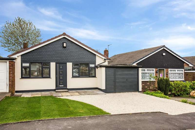 2 Bedrooms Bungalow for sale in Sandringham Road, Worsley, Manchester, M28 1LX