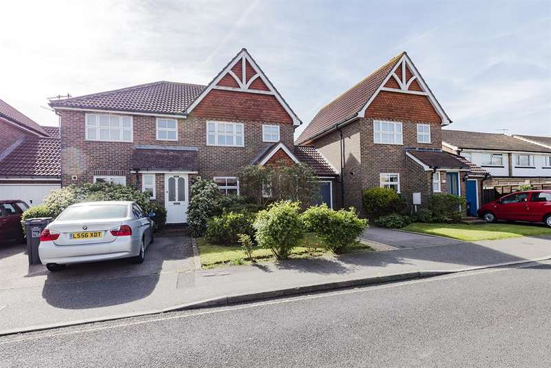 4 Bedrooms Semi Detached House for sale in Fairlands, Elm Grove , Lancing, BN15 8PD
