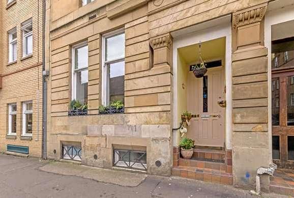 3 Bedrooms Flat for rent in Park Road, Woodlands, Glasgow
