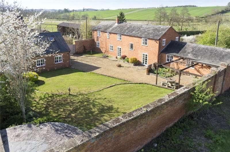 4 Bedrooms Detached House for sale in Broughton Road, Banbury, Oxfordshire, OX16