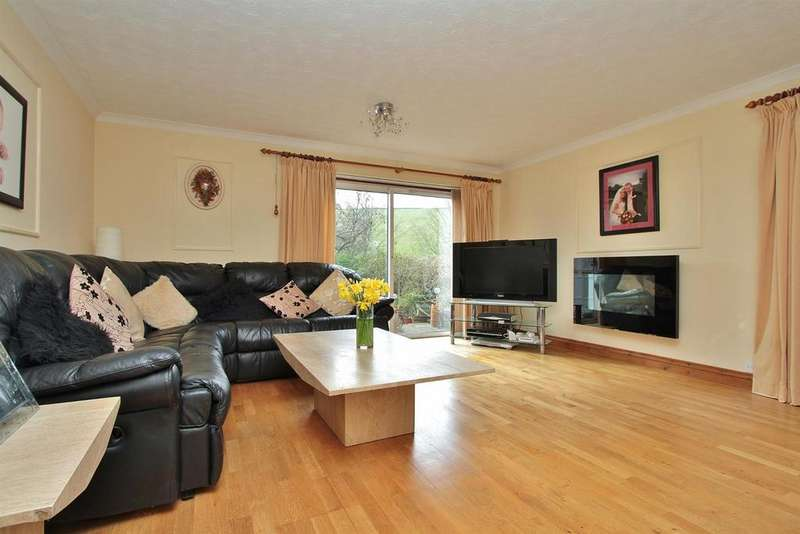 4 Bedrooms Detached House for sale in Falmer Road, Woodingdean