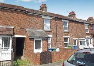 3 Bedrooms Terraced House for sale in Church Road, Murston, Sittingbourne