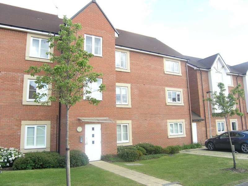 2 Bedrooms Flat for sale in Royal Court, Wright Close, Bushey