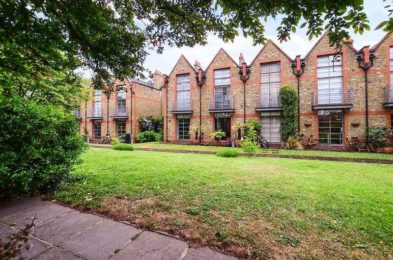 2 Bedrooms Terraced House for sale in Burns Road, Battersea Park, SW11