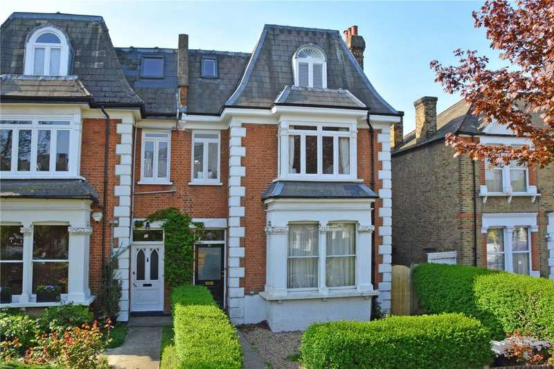 3 Bedrooms Flat for sale in Micheldever Road, Lee, London, SE12