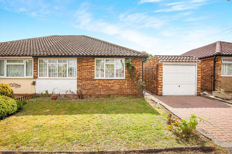 2 Bedrooms Semi Detached Bungalow for sale in Carlton Close, Chessington, KT9