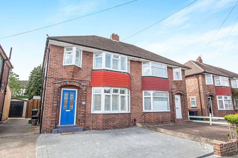 3 Bedrooms Semi Detached House for sale in Rhodrons Avenue, Chessington, KT9