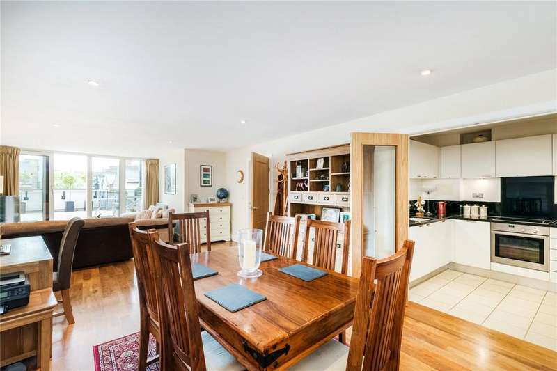 1 Bedroom Flat for sale in Castle Court, 1 Brewhouse Lane, London