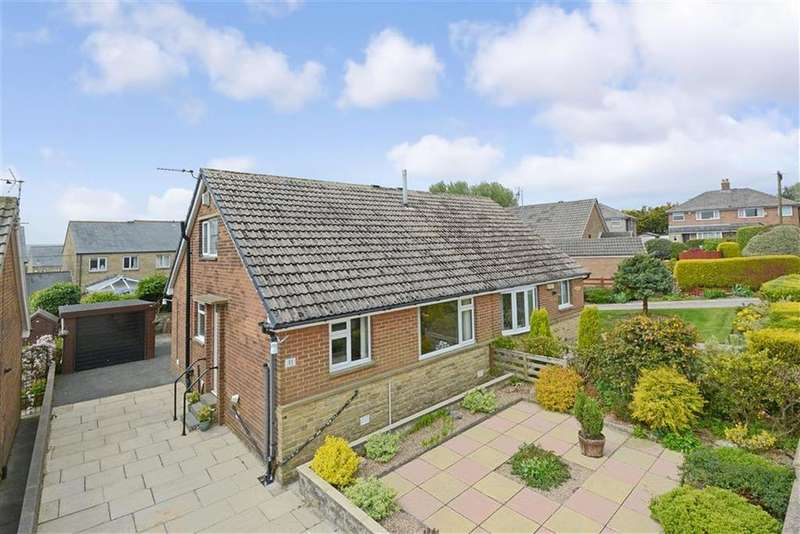 3 Bedrooms Semi Detached Bungalow for sale in Cornfield Avenue, Oakes, Huddersfield, HD3