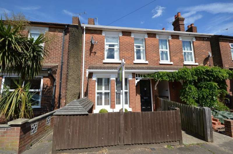 3 Bedrooms Semi Detached House for sale in Constantine Road, Colchester