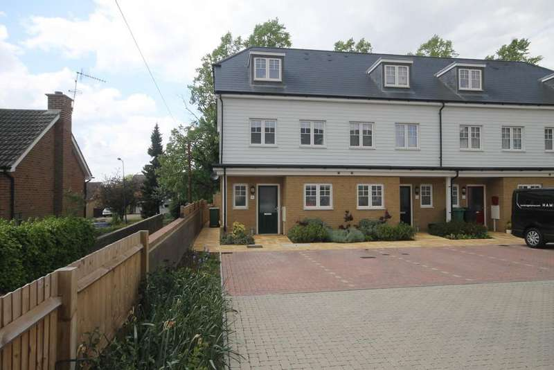 3 Bedrooms Town House for sale in Frigenti Place, Maidstone