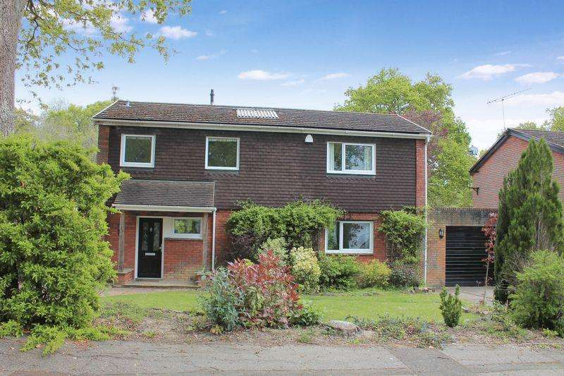 3 Bedrooms Detached House for sale in Cape Copse, Rudgwick