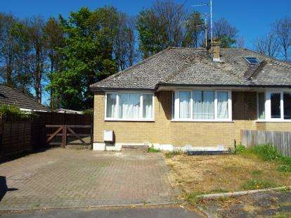 2 Bedrooms Bungalow for sale in Noverton Avenue, Prestbury, Cheltenham, Gloucestershire