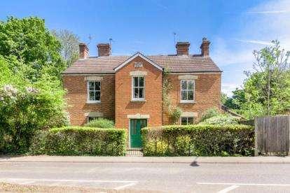 6 Bedrooms Detached House for sale in Bradwell Road, Bradville, Milton Keynes