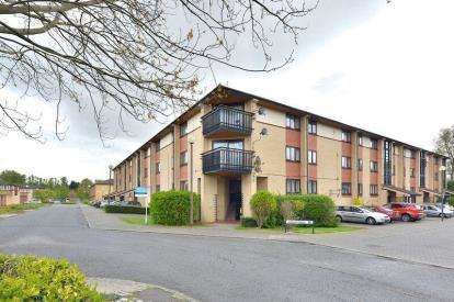 2 Bedrooms Flat for sale in Johnston Place, Oldbrook, Milton Keynes