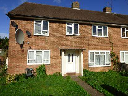 2 Bedrooms Maisonette Flat for sale in Parkfield Drive, Northolt