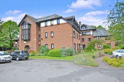 1 Bedroom Flat for sale in Lawnsmead Gardens, Newport Pagnell, Buckinghamshire