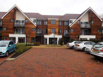 1 Bedroom Retirement Property for sale in -Darkes Lane, Potters Bar, Hertfordshire