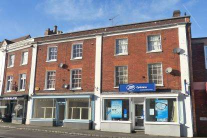2 Bedrooms Flat for sale in Market Square, Buckingham, Buckinghamshire