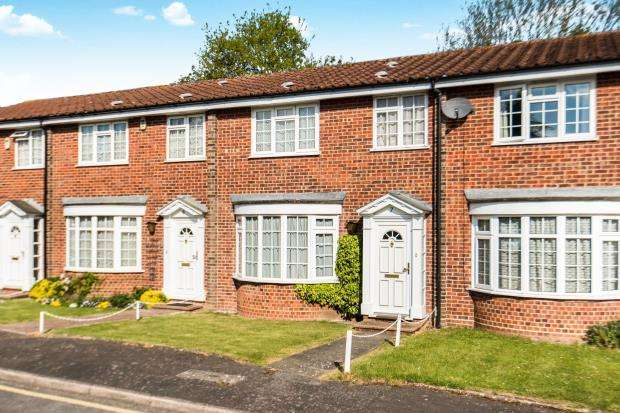 3 Bedrooms Terraced House for sale in Worcester Park, Surrey, .