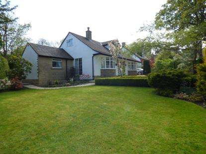 3 Bedrooms Detached House for sale in Lansdowne Road, Buxton, Derbyshire