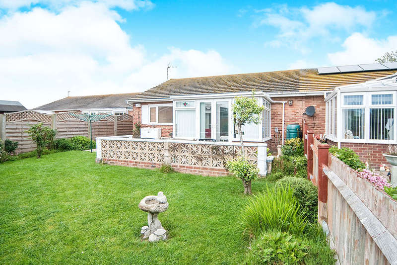 2 Bedrooms Detached Bungalow for sale in Linnet Close, Eastbourne, BN23
