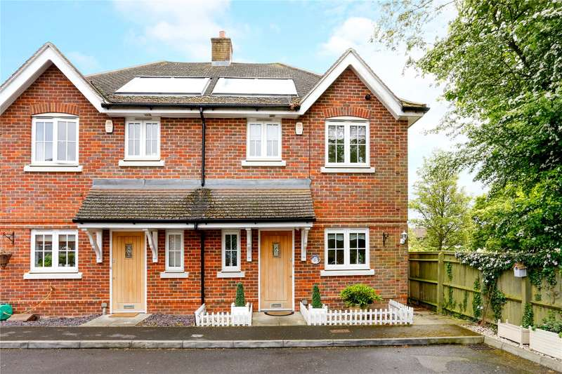 3 Bedrooms Semi Detached House for sale in Cressex Close, High Wycombe, Buckinghamshire, HP12
