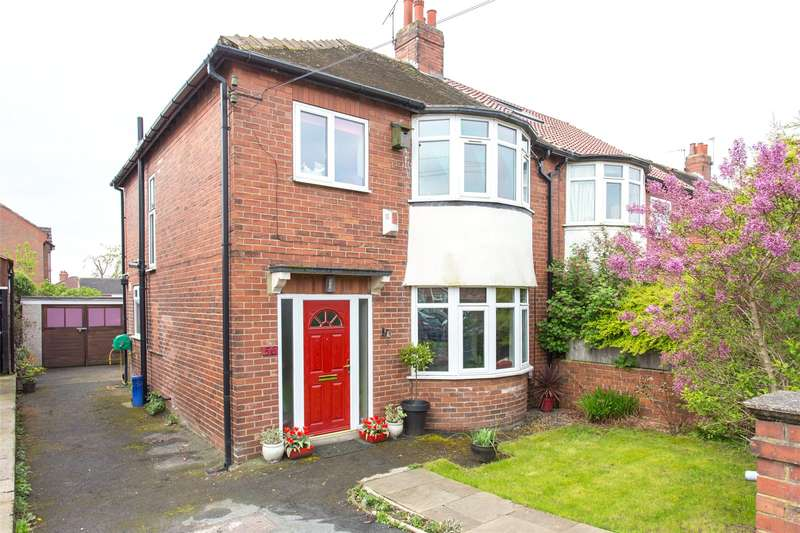 3 Bedrooms Semi Detached House for sale in Gledhow Park Avenue, Leeds, West Yorkshire, LS7