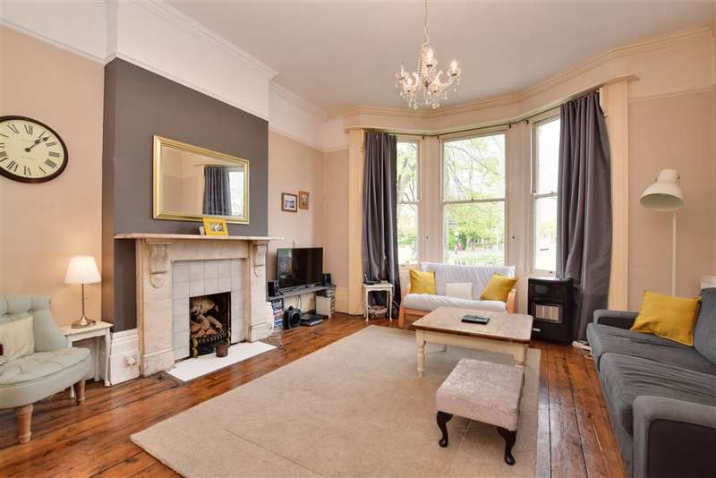 2 Bedrooms Ground Flat for sale in Preston Road, Brighton, East Sussex