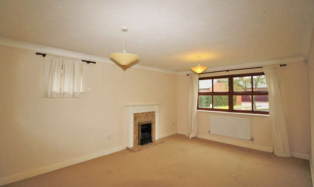 2 Bedrooms Apartment Flat for rent in Old Mill Close, Exeter, EX2