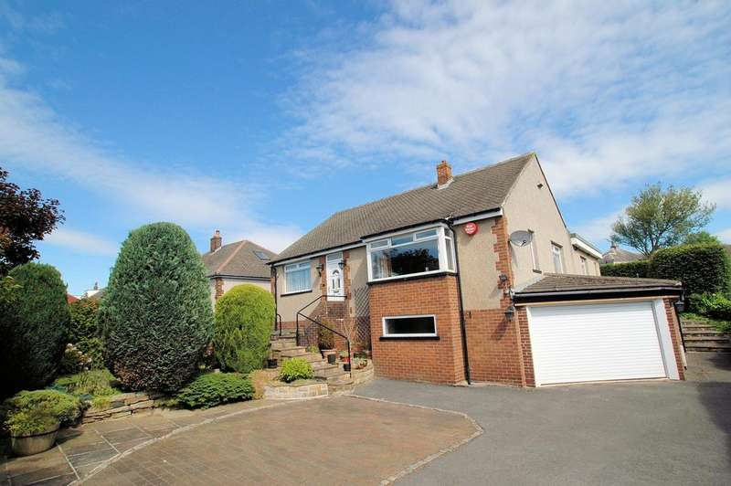 4 Bedrooms Detached Bungalow for sale in 45 Westercroft Lane, Northowram, Halifax HX3