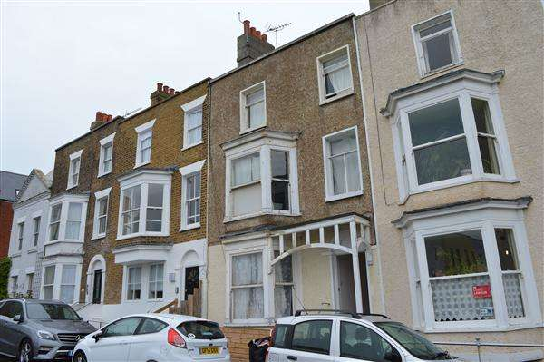 1 Bedroom Apartment Flat for sale in Trinity Square, Margate
