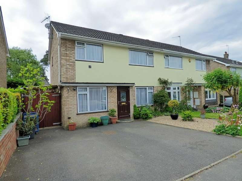3 Bedrooms Semi Detached House for sale in CORFE MULLEN