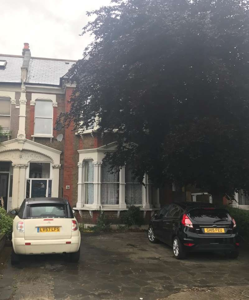 1 Bedroom Apartment Flat for sale in Bromley Road, London, SE6 2TW