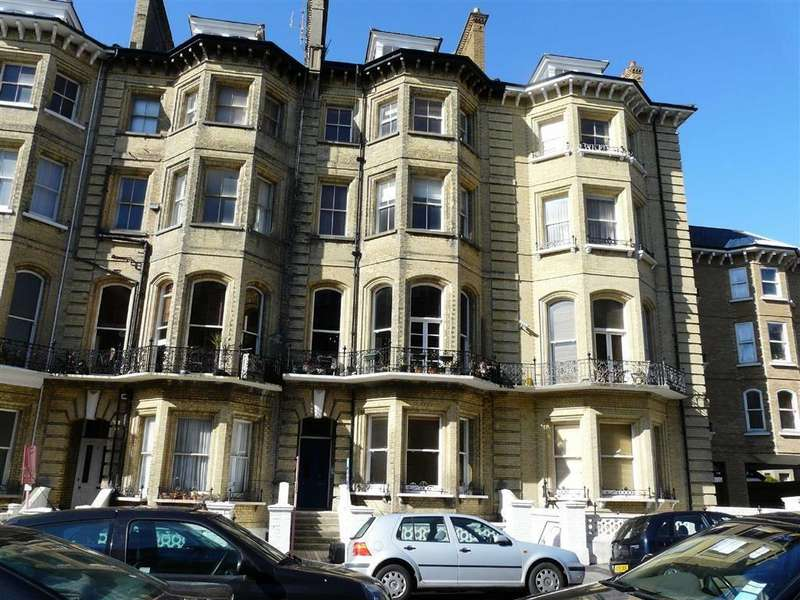 2 Bedrooms Apartment Flat for sale in First Avenue, Hove