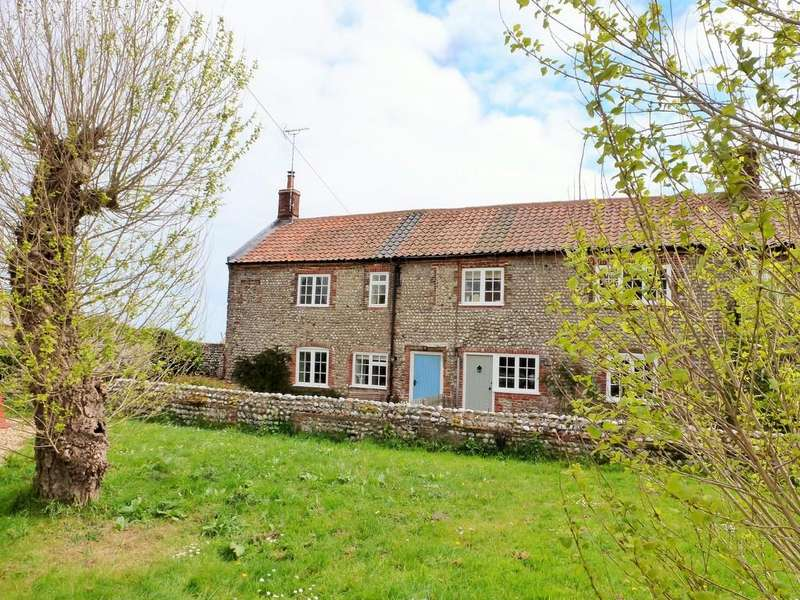 3 Bedrooms Semi Detached House for sale in Sidestrand, Nr Cromer