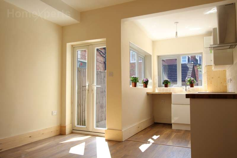 3 Bedrooms Terraced House for sale in Melrose Street, Nottingham, NG5