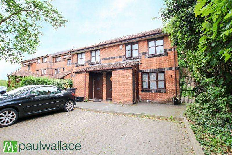 1 Bedroom Maisonette Flat for sale in Hamburgh Court, West Cheshunt