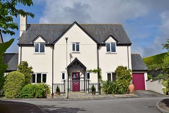 4 Bedrooms Detached House for sale in Sidbury