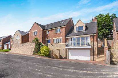 5 Bedrooms Detached House for sale in Greenavon Close, Evesham, Worcestershire, .