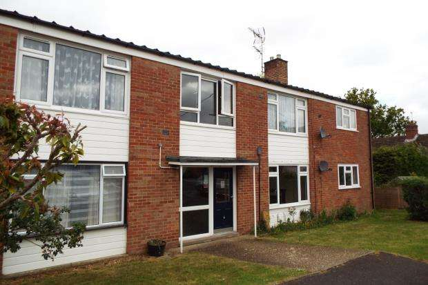 2 Bedrooms Flat for sale in Mount Pleasant, Tadley, Hampshire