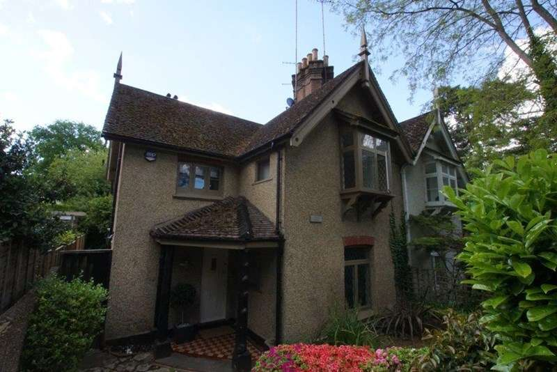 3 Bedrooms Semi Detached House for sale in Western Road, Branksome Park, Poole