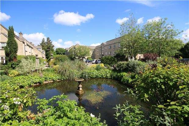 1 Bedroom Flat for sale in Windrush Court, St. Marys Mead, WITNEY, Oxfordshire
