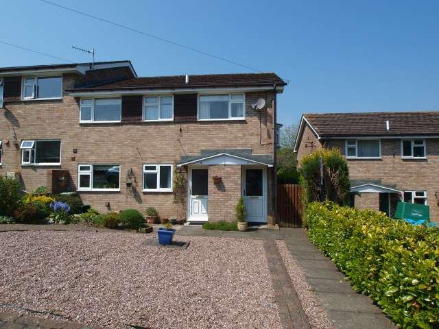 2 Bedrooms Apartment Flat for sale in Charlesworth Crescent, Furness Vale, High Peak, Derbyshire, SK23 7PR