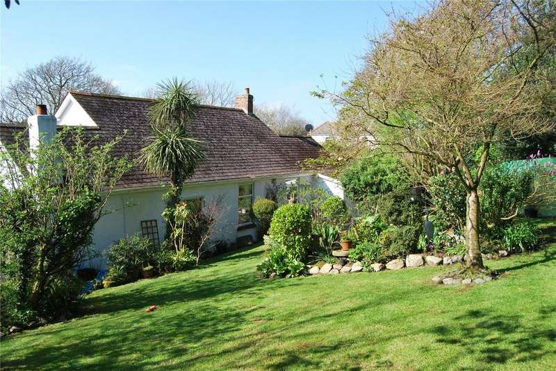 3 Bedrooms Detached Bungalow for sale in Old Falmouth Road, Truro, Cornwall